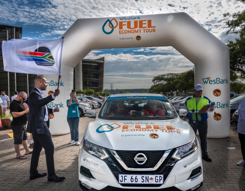 The inaugural WesBank South African Fuel Economy Tour in partnership with FNB, got off to a flying start today (Tuesday, November 12) with none of the 40 participating vehicles being penalised for late arrival at control points, all while recording very competitive fuel consumption figures.